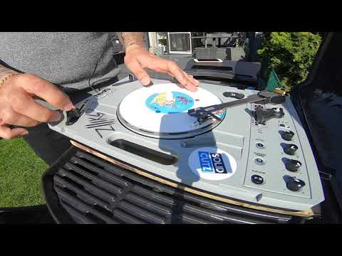 DJ IRON Scratchin on the Reloop Spin w/ Ortofon DJ QBERT