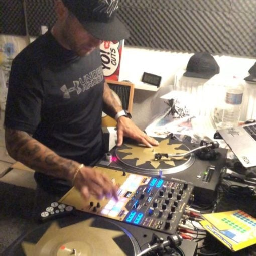 I thought I could be able to scratch like @djqbert when I get those @serato x @t...