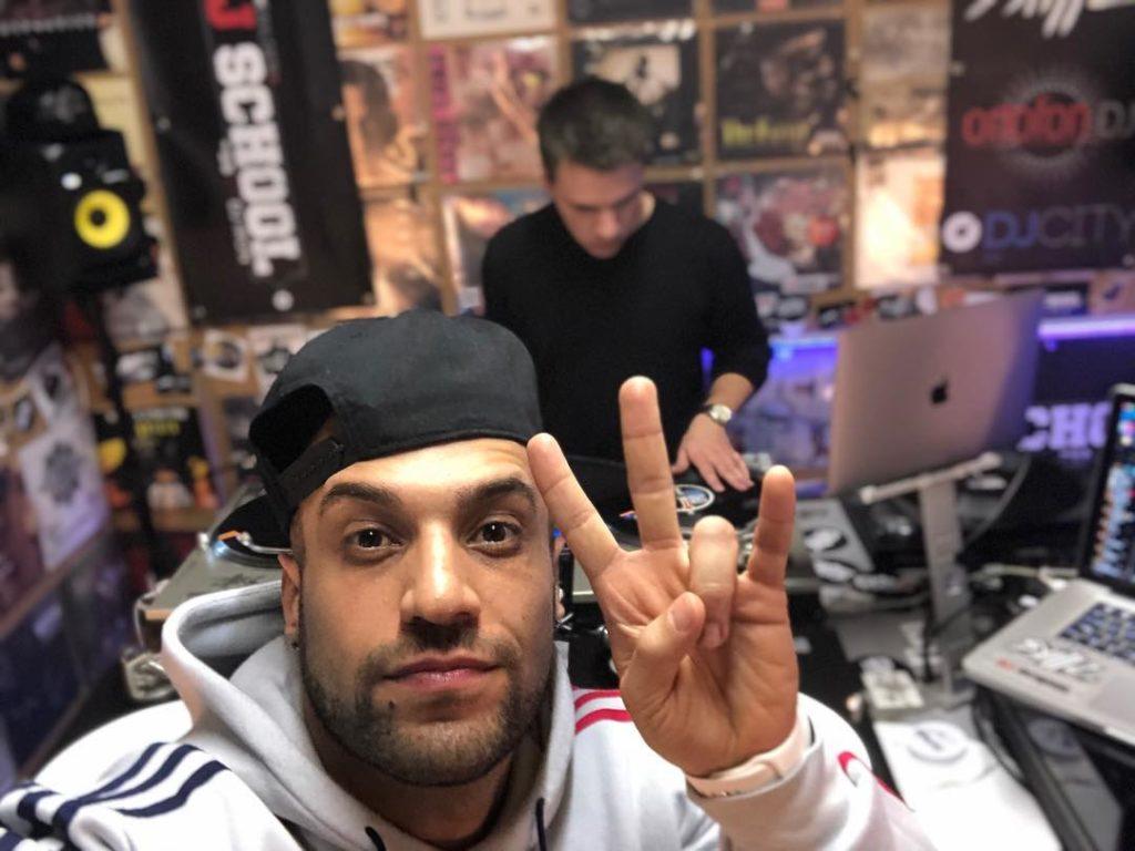 Teaching DJing with Skillz  . . . #djlife #turntabledj #djing #seratodj  #hambur...