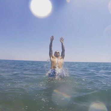 Splish splash  . . . . #goodvibes #antalya #turkey #vacation #beach #swimming #d...