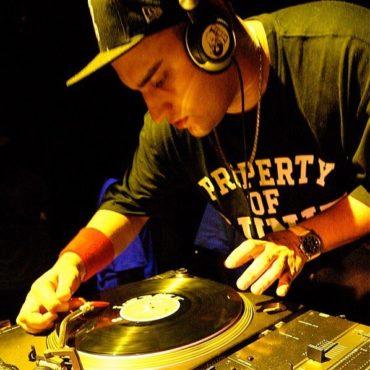 Throwback... 2005 DJing with Real Vinyl  No Laptop = No Serato ... . . #djlife #...